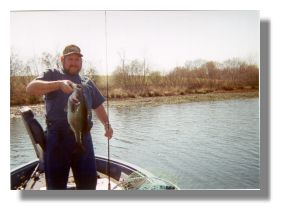 Ronnie Cearlock with a 9 pound 4 ounce bass from Bar-D Fishing Club caught on a plastic worm in April 2000