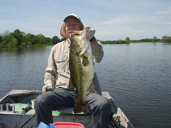 Ken Marion, Birmingham, with big bass